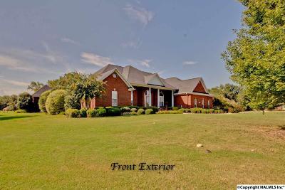 Huntsville Single Family Home For Sale: 121 Edenshire Drive