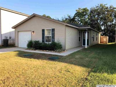 Harvest Single Family Home For Sale: 168 Cloverbrook Drive