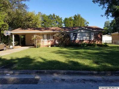 Huntsville Single Family Home For Sale: 1808 Dailey Terrace