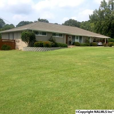 Single Family Home For Sale: 8004 SE Strong Drive