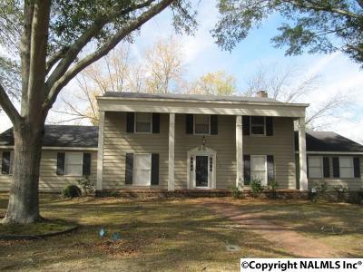 Albertville Single Family Home For Sale: 109 Clemons Drive