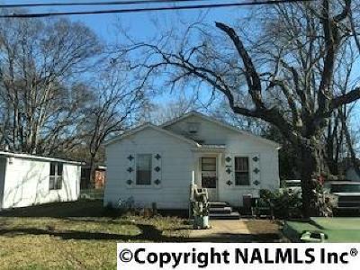 Single Family Home For Sale: 2614 Huntsville Street