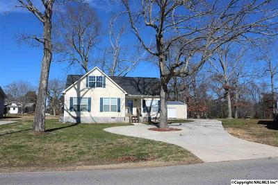Marshall County, Jackson County Single Family Home For Sale: 105 Firetower Road