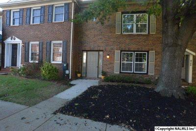 Townhouse For Sale: 6749 NW Steeplechase Drive