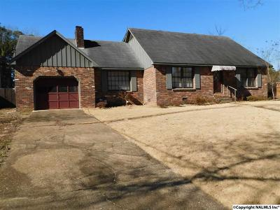 Single Family Home For Sale: 822 SW Longbow Drive
