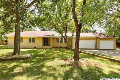 Single Family Home For Sale: 10001 SE Camille Drive