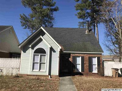 Single Family Home For Sale: 2404 Kathy Lane Court