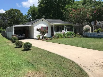 Single Family Home For Sale: 1110 10th Avenue