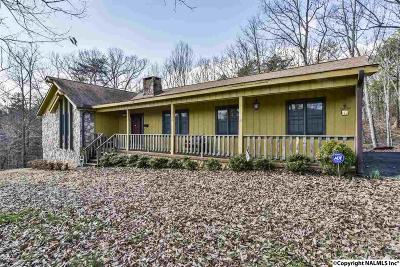 Dekalb Single Family Home For Sale: 2908 Lynn Drive