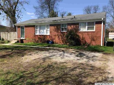 Single Family Home For Sale: 1319 Oakwood Avenue
