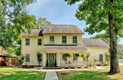 Decatur Single Family Home For Sale: 2713 SW Friar Tuck Court