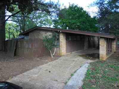 Single Family Home For Sale: 3009 Hillsboro Road