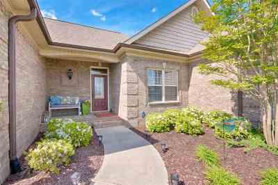 Single Family Home Contingent: 22805 Pin Oak Drive