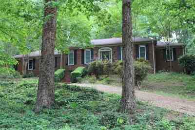 Scottsboro Single Family Home For Sale: 110 Oakwood Circle