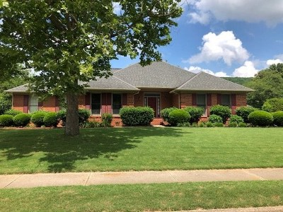 Brownsboro Single Family Home For Sale: 2915 Deer Valley Drive