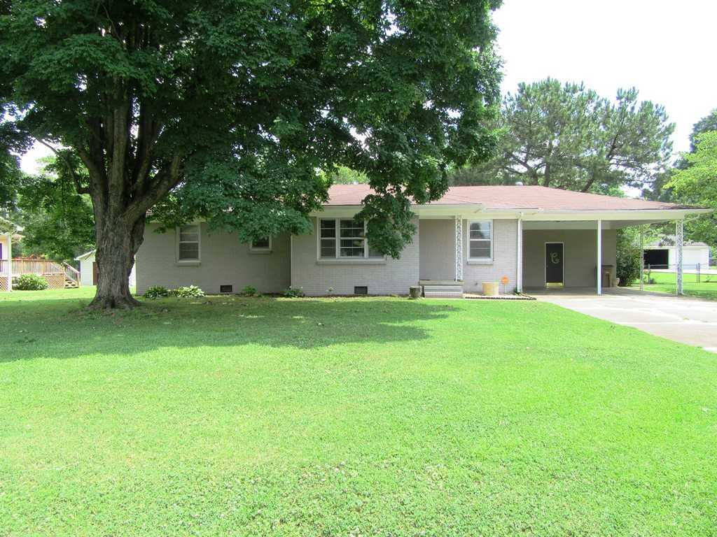 3 bed / 1 full, 1 partial baths Home in Decatur for $104,900