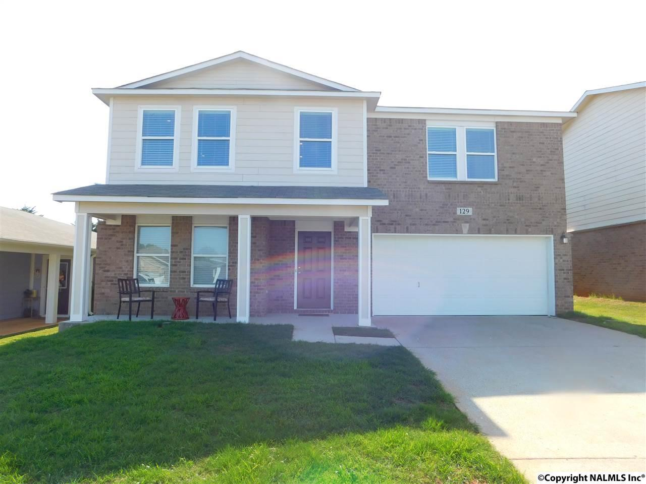Fantastic 3 Bed 2 Full 1 Partial Baths Rental For Rent In Madison For 1 495 Home Interior And Landscaping Ologienasavecom