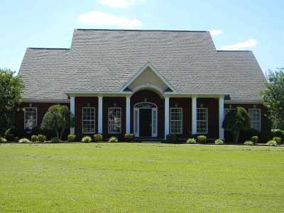 Hartselle Single Family Home For Sale: 18 Colony Lane