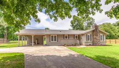 Single Family Home For Sale: 19199 Easter Ferry Road
