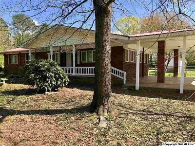 Marshall County, Jackson County Single Family Home For Sale: 866 County Road 181