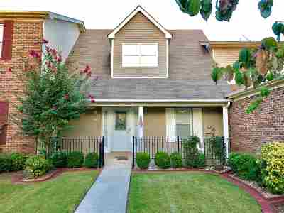 Townhouse For Sale: 8837 Tacoma Trail