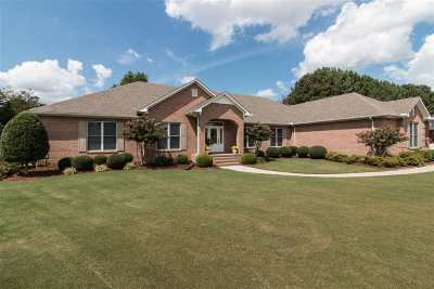 Single Family Home For Sale: 1684 Autumn Chase
