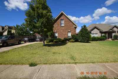 Madison Single Family Home For Sale: 25829 Summerwood Drive