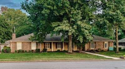 Huntsville Single Family Home For Sale: 221 Teakwood Drive