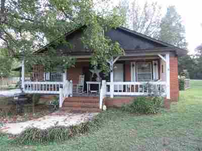 Decatur Single Family Home For Sale: 2825 SW Old Moulton Road