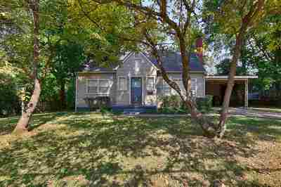 Single Family Home For Sale: 204 Drake Avenue