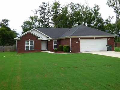 Single Family Home For Sale: 115 Southern Pine Drive