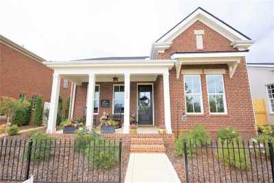 Madison Single Family Home For Sale: 128 Bur Oak Drive