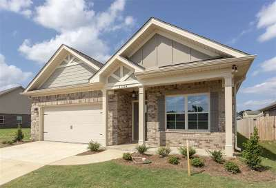 Single Family Home For Sale: 7615 NW Ashor Drive
