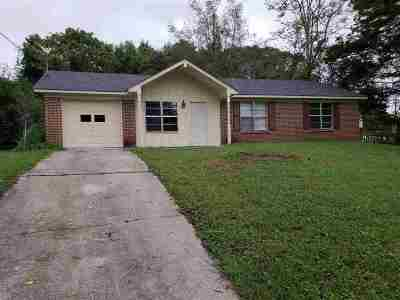 Single Family Home For Sale: 6027 NW Lincoya Drive