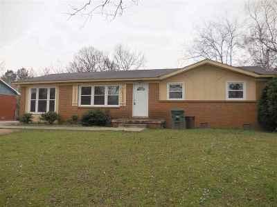 Huntsville AL Single Family Home For Sale: $84,900