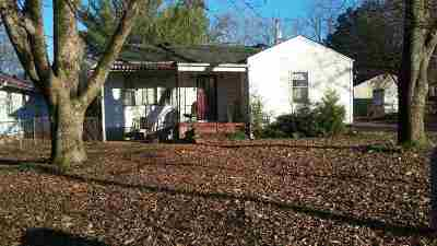Decatur AL Single Family Home For Sale: $66,000