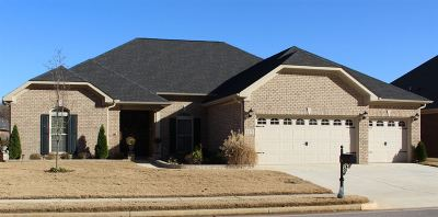Single Family Home For Sale: 115 Autumn Cove Drive