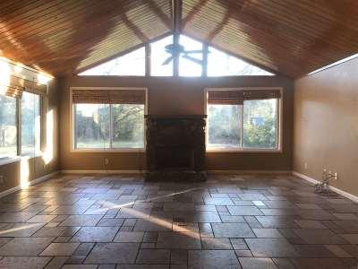 Single Family Home For Sale: 1708 Ballard Drive