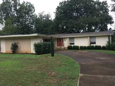 Huntsville AL Single Family Home For Sale: $156,000