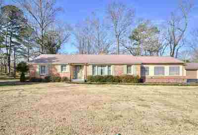 Hartselle Single Family Home For Sale: 201 Puckett Road