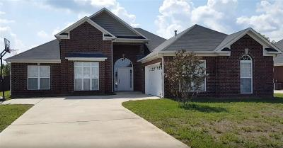 Harvest Single Family Home For Sale: 138 Appleberry Lane