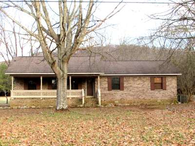 Hartselle Single Family Home For Sale: 204 North Robinson Road