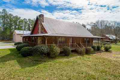 Single Family Home For Sale: 900 Kyle Road