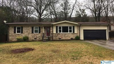 Huntsville Single Family Home For Sale: 12005 Greenleaf Drive