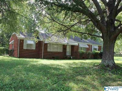Single Family Home For Sale: 4309 Memorial Pkwy