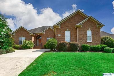 Madison Single Family Home For Sale: 105 Blackwood Drive