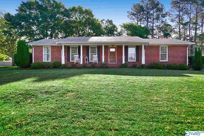Huntsville, Madison, Athens, Decatur, New Market, Hazel Green, Priceville Single Family Home For Sale: 5615 Woodridge Street