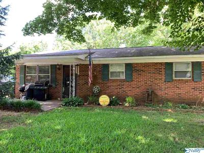 Hazel Green Single Family Home For Sale: 157 Dixon Road