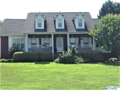 Huntsville, Madison, Athens, Decatur, New Market, Hazel Green, Priceville Single Family Home For Sale: 17765 Elles Drive