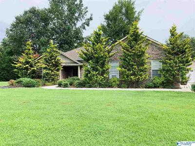 Toney Single Family Home For Sale: 107 Bramble Way